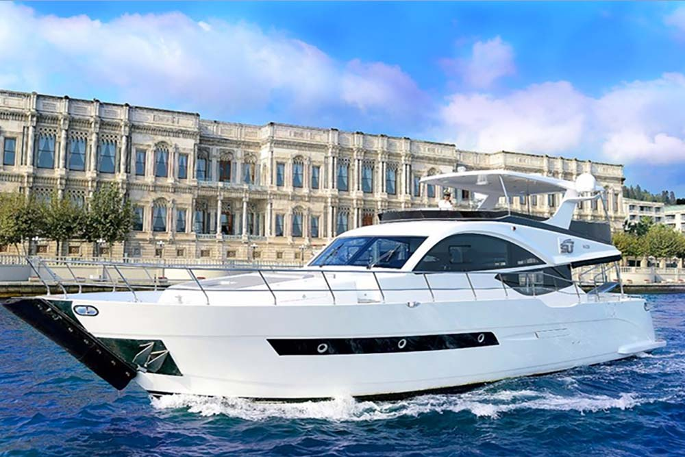 PRIVATE YACHT Hourly or Daily tours (1 Hour) 100€/PP